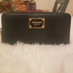 Michael Kors Jet Set Green Leather wallet